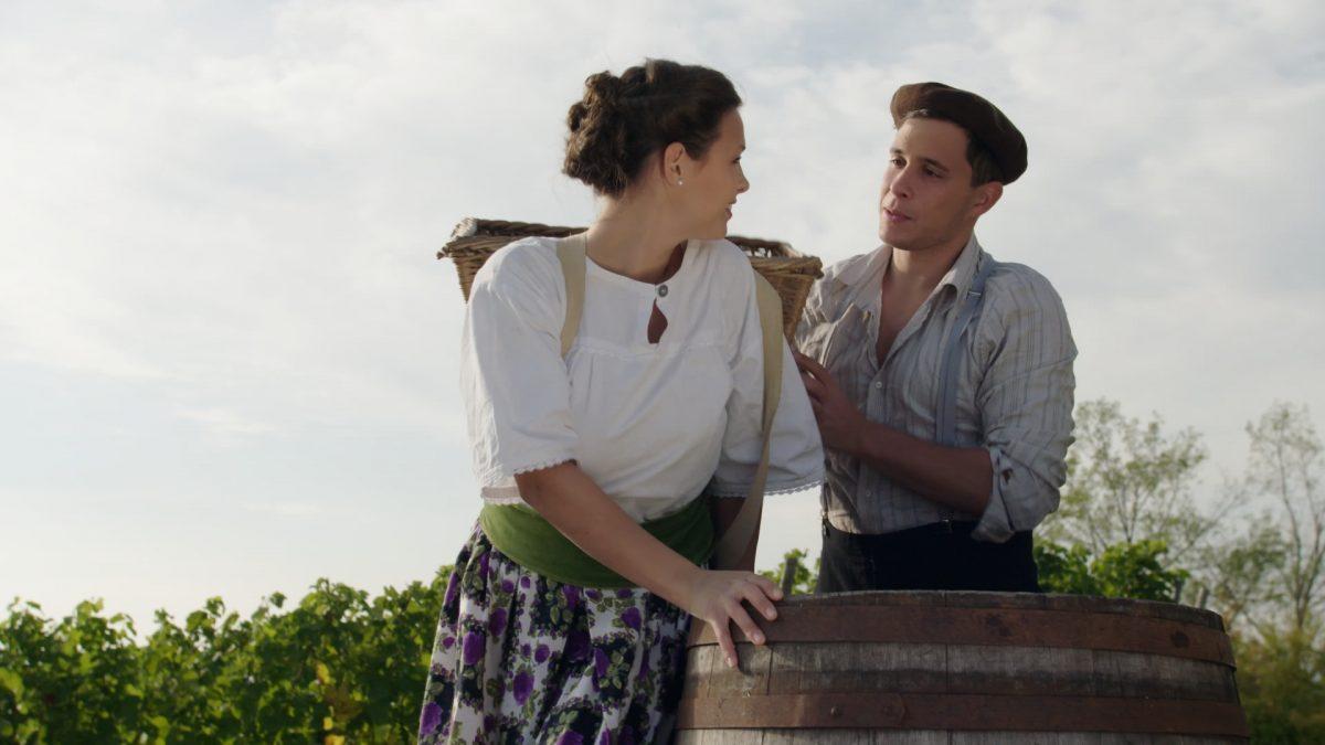 Marie und Francios am Weinberg (Standbild aus Kinofilm Mademoiselle Marie)