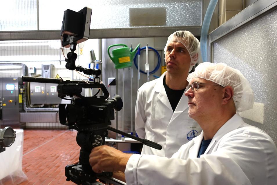 Kamerateam im Milchwerk (Dreharbeiten für Imagefilm)