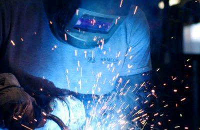 Schweißarbeiten (Standbild aus Imagefilm)