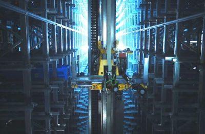 Regalbediengerät (Standbild aus Produktvideo / Messefilm)